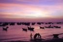 Phân tích hai khổ thơ cuối bài thơ Đoàn thuyền đánh cá của Huy Cận.