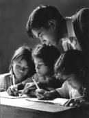 Thầy giáo Ha-men (Buổi học cuối cùng - An-phông-xơ Đô-đê) trong buổi học cuối cùng có gì khác so với thường ngày? Hãy tả lại hình ảnh thầy giáo Ha-men trong buổi học ấy
