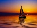 Phân tích Nghịch lý trong Chiếc thuyền ngoài xa