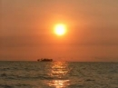 Hóa thân vào nhân vật Phùng để phân tích Chiếc thuyền ngoài xa - Ngữ Văn 12