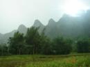 Dựa vào hình 6, nhận xét sự khác nhau về độ cao và hướng các dãy núi của Trường Sơn Bắc và Trường Sơn Nam.