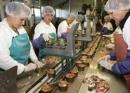 Hãy giải thích vì sao công nghiệp chế biến lương thực, thực phẩm là ngành công nghiệp trọng điểm của nước ta hiện nay.