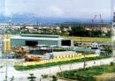 Hãy trình bày những đặc điểm chính của trung tâm công nghiệp.