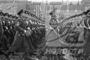 Nêu ý nghĩa lịch sử của Cách mạng tháng Mười Nga.