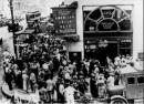 Vì sao phong trào công nhân Mĩ diễn ra sôi nổi ngay cả trong thời kì phồn vinh của kinh tế Mĩ ?