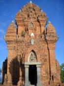 Hãy nêu những nét chính về tình hình kinh tế, văn hoá, xã hội của quốc gia Phù Nam.
