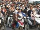 Mật độ dân số cao ở Đồng bằng sông Hồng có những thuận lợi và khó khăn gì cho sự phát triển kinh tế- xã hội (sgk trang 73).