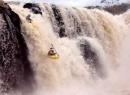 Nét đặc sắc của phong cảnh thiên nhiên được miêu tả trong Sông nước Cà Mau và Vượt Thác