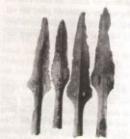 Sự xuất hiện của nhiều loại vũ khí (hình 31, 32) nói lên điều gì ?