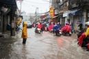 Tả cảnh đường phố lúc có cơn mưa
