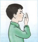 Để tay trước mũi, thở ra và hít vào, bạn có nhận xét gì?