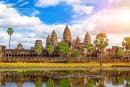 Hãy lập niên biểu các giai đoạn lịch sử lớn của Cam-pu-chia đến giữa thế kỉ XIX.