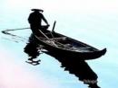 """Phân tích hình tượng nhân vật ông lái đò trong bài tùy bút """"Người lái đò Sông Đà"""" của Nguyễn Tuân"""