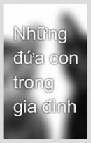 Đoạn kể lại hai chị em Việt, Chiến khiêng bàn thờ má sang gửi bên nhà chú Năm trong đoạn trích Những đứa con trong gia đình của Nguyễn Thi gây cho người đọc nhiều xúc động. Hãy phân tích