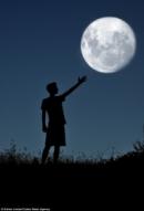 Cảm nhận bài thơ Ánh trăng của Nguyễn Duy.