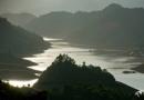 Phân tích hai câu thơ đầu trong bài thơ Tây Tiến của Quang Dũng