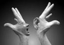"""Bạn nghĩ như thế nào khi nhà triết học Hi Lạp Dê-nông (346-264 trước Công nguyên) nói với một người bẻm mép: """"Chúng ta có hai tai và một mồm để nghe nhiều hơn và nói ít hơn"""" - Ngữ Văn 12"""