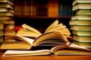 """Nói về giá trị của sách, nhà văn M.Goocki có viết: """"Sách mở rộng ra trước mắt tôi những chân trời mới"""". Anh (chị) hãy giải thích và bình luận ý  kiến trên - Ngữ Văn 12"""