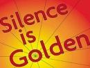 Tục ngữ phương Tây có câu: Im lặng là vàng. Nhưng nhà thơ Tố Hữu lại viết: Khóc là nhục. Rên, hèn. Van, yếu đuối. Và dại khờ là những lũ người câm. Trên đường đì như những bóng thầm Nhận đau khổ mà gởi vào im lặng. Theo em, mỗi nhận xét trên đúng trong nh