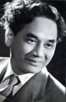 """Vì sao Hoài Thanh lại nói Xuân Diệu là """"mới nhất trong các nhà thơ mới"""". Nêu và phân tích những cái mới đó."""