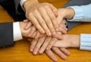 Bàn luận về mối quan hệ giữa cá nhân và tập thể, xã hội; giữa một người và mọi người - Ngữ Văn 12