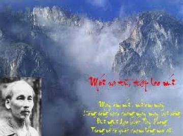 Phân tích bài thơ Mới ra tù, tập leo núi của Hồ Chí Minh