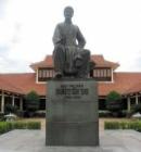 Thuyết minh về tác giả Nguyễn Du