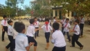 Tả cảnh sân trường giờ ra chơi ở trường em