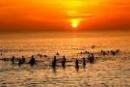 Viết một đoạn văn ngắn nói về cảnh biển vào buổi sáng