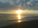 Viết một đoạn văn ngắn nói về cảnh biển vào buổi sáng_bài 1