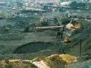 Hãy xác định trên bản đồ các mỏ lớn trong vùng và phân tích những thuận lợi và khó khăn trong việc khai thác thế mạnh về tài nguyên khoáng sản của vùng.