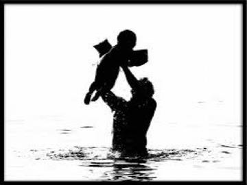 Cảm nhận của em về khổ đầu trong bài thơ Nói Với con của Y Phương