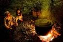 Bình giảng ba khổ thơ đầu bài Bếp lửa
