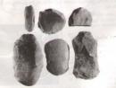 Việc làm đồ gốm có gì khác so với việc làm công cụ bằng đá ?