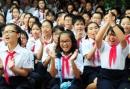 Em hãy viết đơn gửi Ban Giám hiệu xin được học môn tự chọn về ngoại ngữ hoặc tin học.