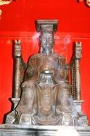 Nhà Hậu Lê, đặc biệt là đời vua Lê Thánh Tông, đã làm gì để quản lí đất nước ?