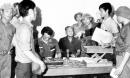 Tại sao Dương Văn Minh buộc phải ra lệnh đầu hàng không điều kiện ?