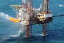 Ở nước ta, dầu mỏ được khai thác chủ yếu ở đâu ?
