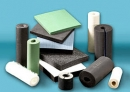 Trong các vật được làm bằng kim loại (đồng, nhôm, sắt), bằng nhựa, cao su, sứ, thuỷ tinh, gỗ khô, bìa,...vật nào cách điện, vật nào dẫn điện ?