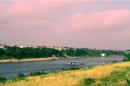 """Cảm nhận về hai đoạn thơ """"Bên kia sông Đuống"""" của Hoàng Cầm và """"Đất nước"""" của Nguyễn Khoa Điềm"""