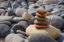 """Viết đoạn văn nghị luận về ý kiến """"Đừng sống như hòn đá"""""""