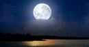 """Viết đoạn văn ngắn trình bày cảm nhận của em về cảnh đêm trăng của 2 bài thơ """"Cảnh khuya"""" và """"Rằm tháng giêng"""""""